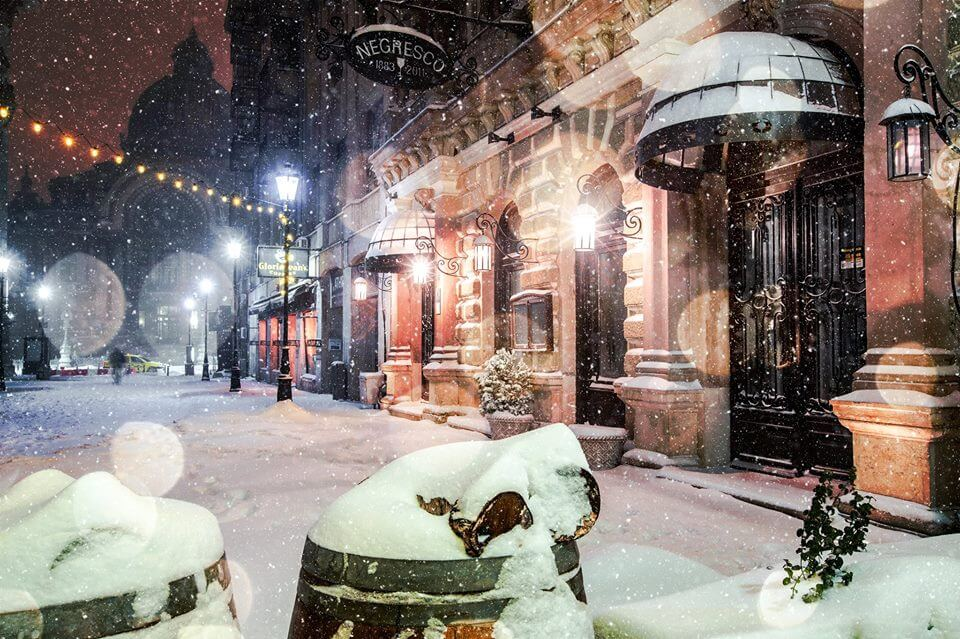 Things to do in Bucharest in winter: take a tour od the Old Town