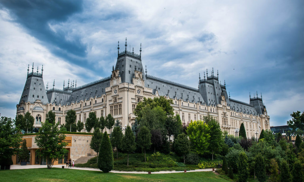 things to do in Iași palace of culture