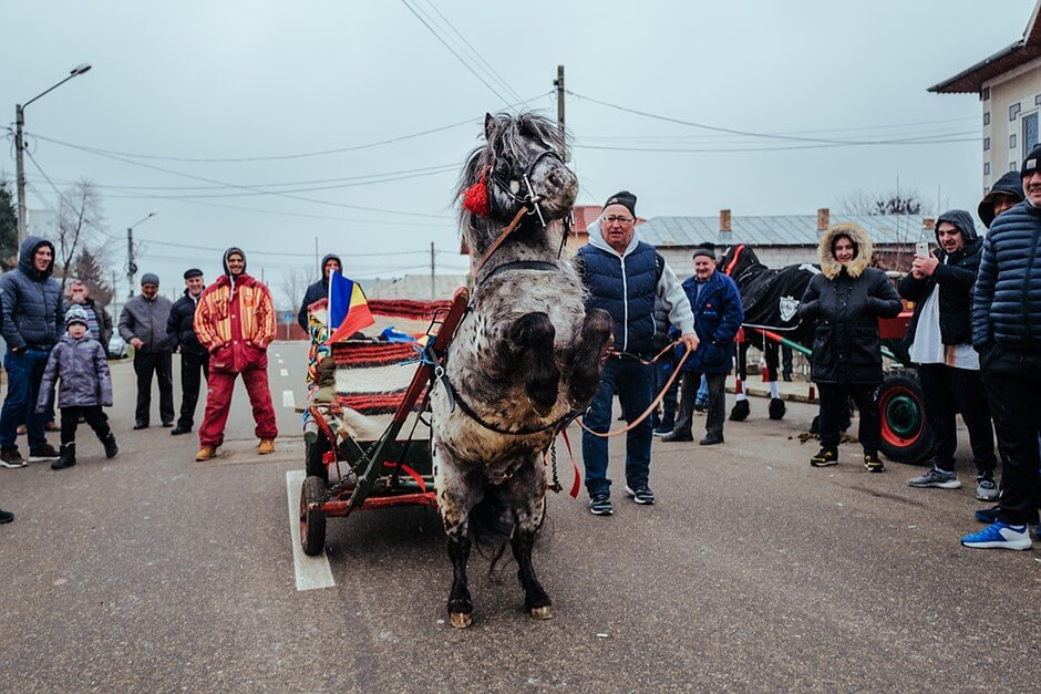 public holidays in Romania horses easter