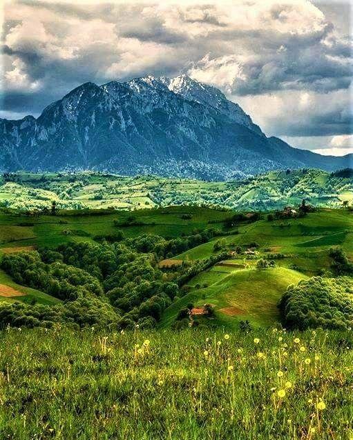 Romania hiking in Piatra Craiului National Park