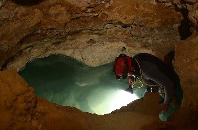 Movile Cave speleologist